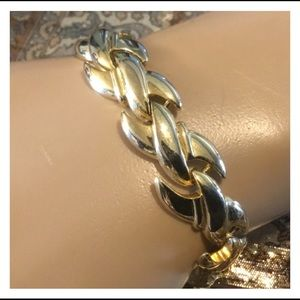 Quality Vintage Gold Ribbon Linked Fine Bracelet